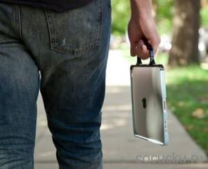Странный чехол-рукоятка для iPad