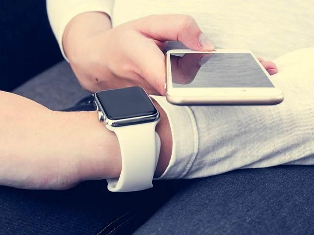 синхронизация смарт часов с телефоном