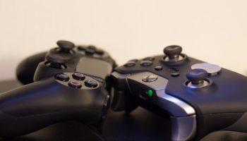 Контроллеры PS4 и Xbox